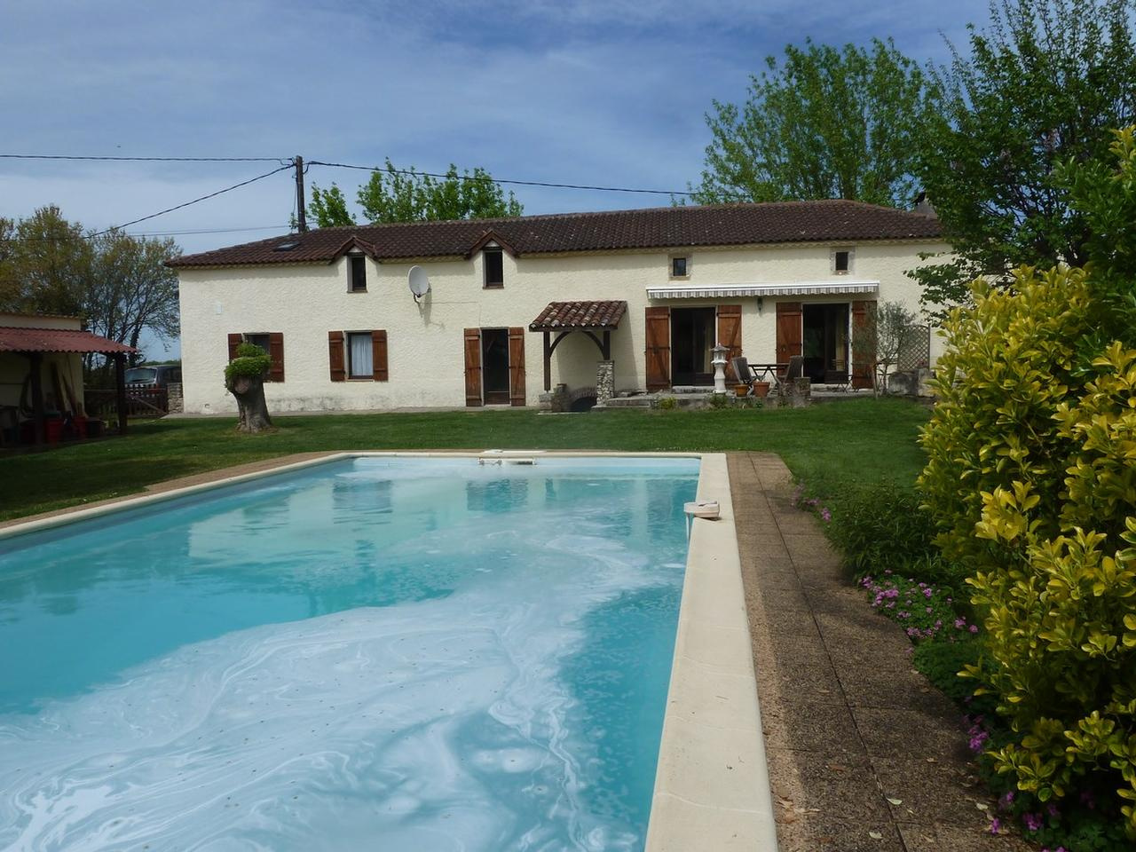 Vente ancienne grange restauree avec piscine montayral beausejour immobilier - Piscine guilherand grange ...